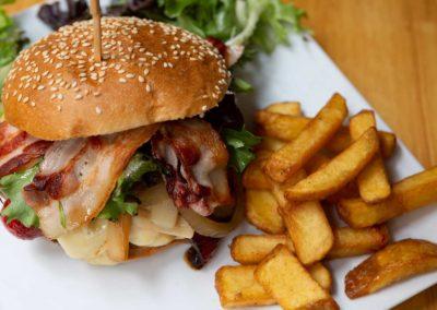 cafe-noir-galerie-plat-burger