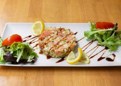 cafe-noir-galerie-plat-tartare-saumon